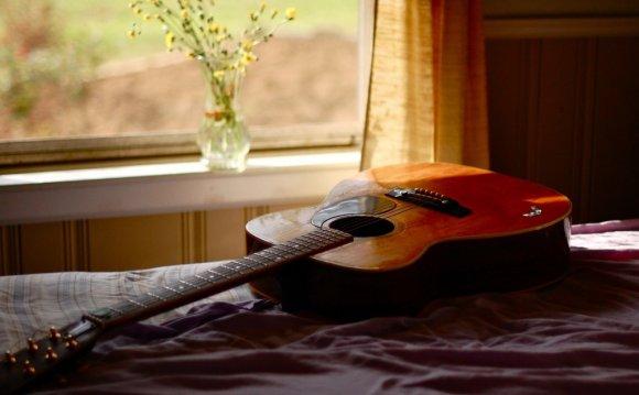 Акустическая гитара для
