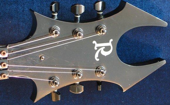 Эти гитары многим отличаются