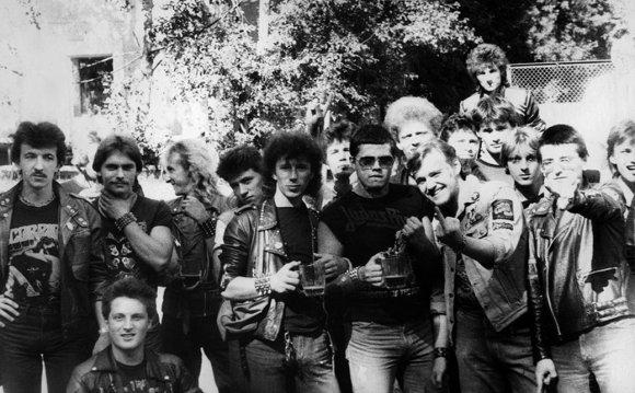 Хулиганы: Советский металлист