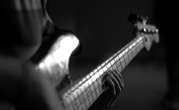 Как купить б/у бас-гитару или